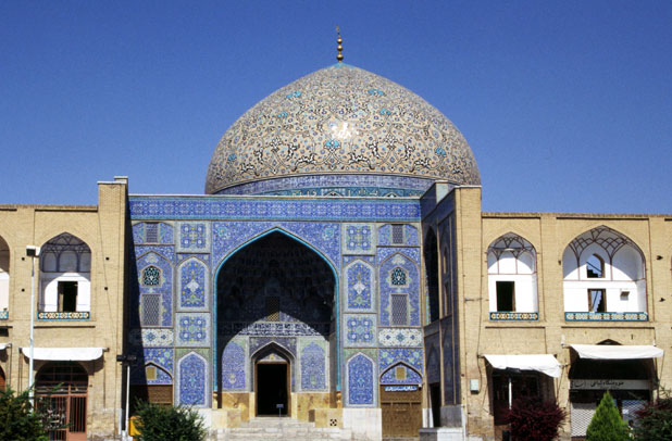 Sheikh Lotfollah mosque at Emam Khomeini square. Esfahan. Iran.