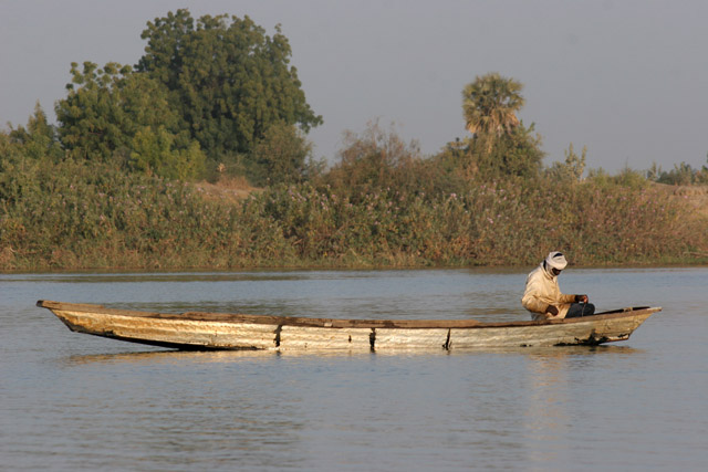 Fisherman. Lake Chad area. Cameroon.