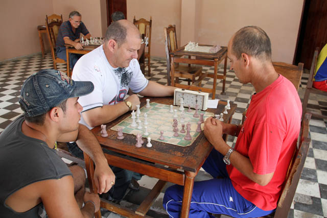 Chess players, Las Tunas. Cuba.