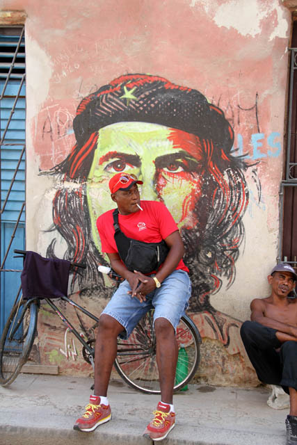 Che and old Havana. Cuba.
