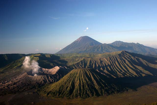 Gunung Bromo (Mount Bromo). Java,  Indonesia.
