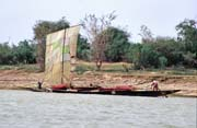 Sailboat is the cheapest transport option. Niger river. Mali.
